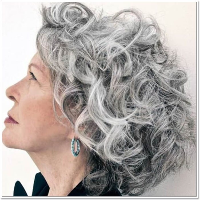 104 Best Hairstyles For Women Over 50 For An Effortless Look