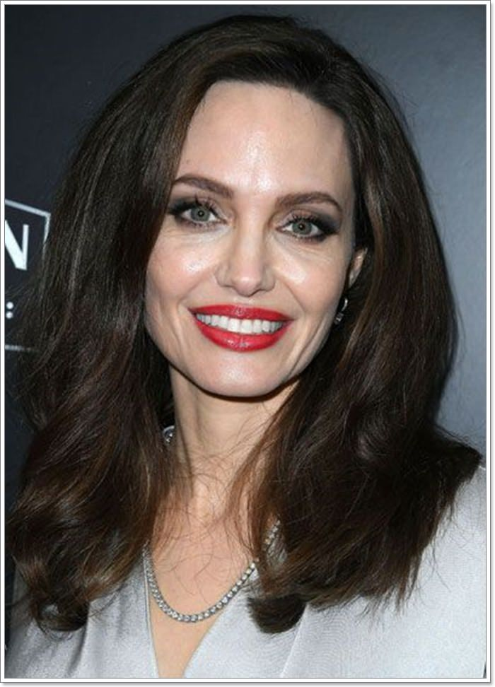 101 Best Hairstyles for Square Faces That You Can Try Today!
